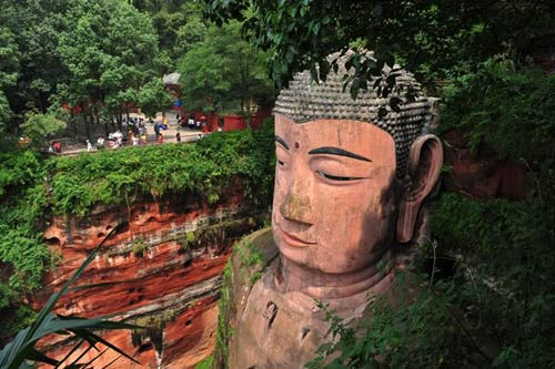 Tượng Phật đá cao nhất thế giới trên vách núi - 6