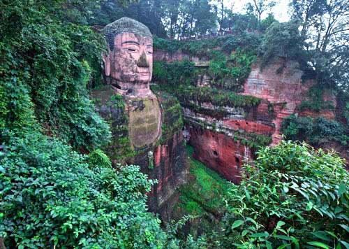 Tượng Phật đá cao nhất thế giới trên vách núi - 8