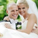 Sức khỏe đời sống - Hôn nhân giúp hormone sinh dục nam bớt suy giảm