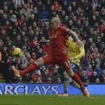 Bóng đá - Bàn thắng đầu tiên của Liverpool đã việt vị?