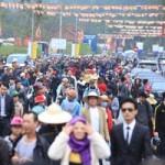 Tin tức trong ngày - Hàng vạn người đổ về Yên Tử ngày khai hội