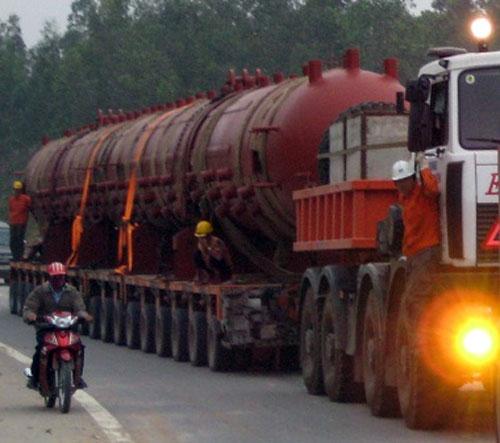Cận cảnh chiếc ô tô 158 bánh tại Việt Nam - 1