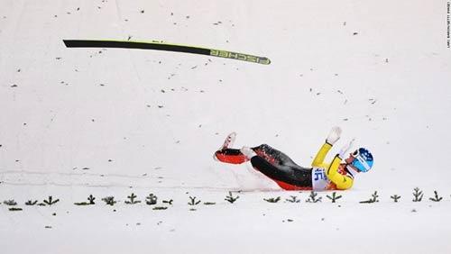 Những cú ngã đau tại Olympic Sochi - 1