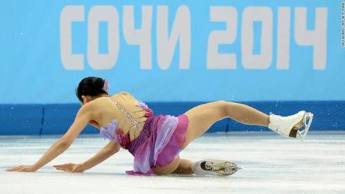 Những cú ngã đau tại Olympic Sochi - 10