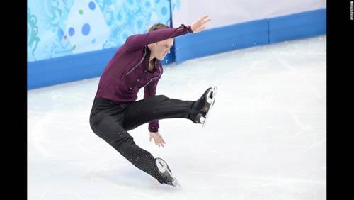 Những cú ngã đau tại Olympic Sochi - 11