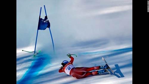 Những cú ngã đau tại Olympic Sochi - 12