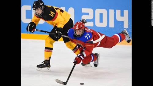 Những cú ngã đau tại Olympic Sochi - 7