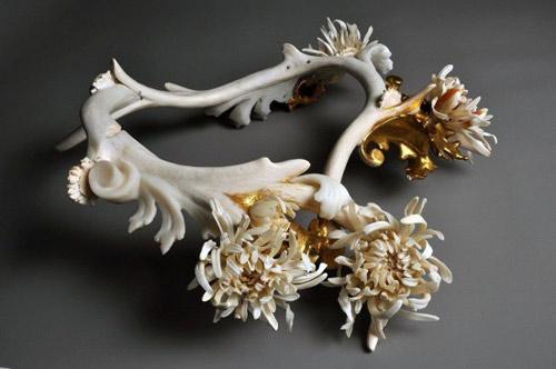 Những cành hoa từ xương động vật chết - 2