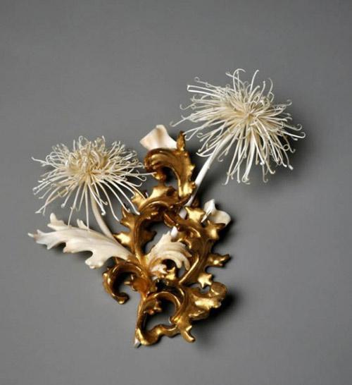 Những cành hoa từ xương động vật chết - 3