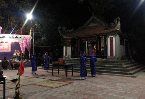 """""""Tháo khoán"""" ở lễ hội Linh tinh tình phộc - 1"""