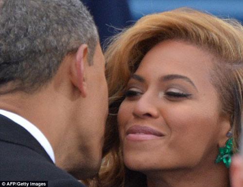 Rộ tin đồn ca sỹ Beyonce yêu T.T Obama - 2