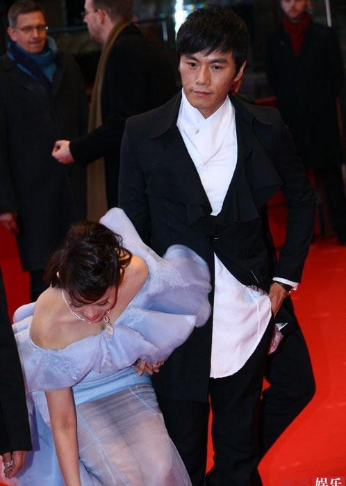 Người đẹp Hoa ngữ xui xẻo trên thảm đỏ - 5