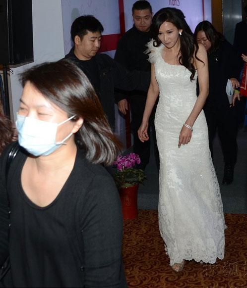 Người đẹp Hoa ngữ xui xẻo trên thảm đỏ - 11