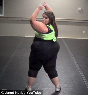 Cô gái béo phì tự tin nhảy sexy - 4