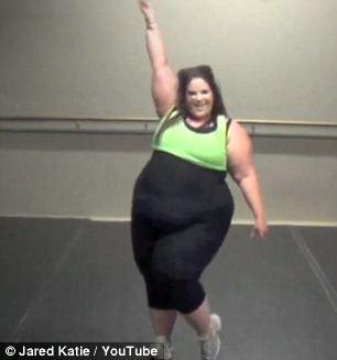 Cô gái béo phì tự tin nhảy sexy - 5
