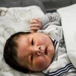 Tin tức trong ngày - TQ: Cận cảnh bé sơ sinh khổng lồ nặng 7,12 kg
