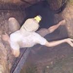 Tin tức trong ngày - Phát hiện xác 1 phu vàng chết lâu ngày trong hầm