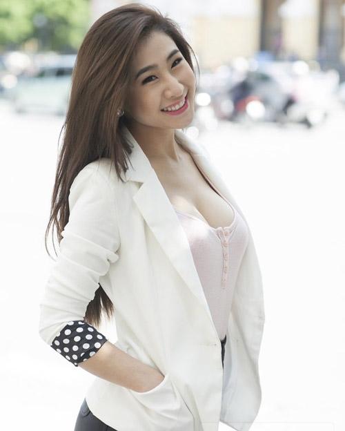 Ngắm cô gái tự nhận ngực đẹp nhất Việt Nam - 7
