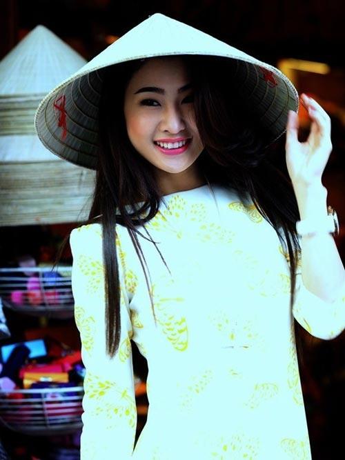 Ngắm cô gái tự nhận ngực đẹp nhất Việt Nam - 12
