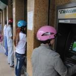 Tài chính - Bất động sản - Hoa mắt với phí ngân hàng