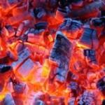 Tin tức trong ngày - Đốt than sưởi ấm, 1 nhà 3 người tử vong