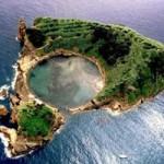 Du lịch - Tiểu đảo lạ kỳ được sinh ra từ miệng núi lửa