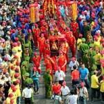 Tin tức trong ngày - 10.000 người chen chân xem lễ hội rước kiệu Bà