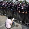 Thái Lan: 5000 cảnh sát tái chiếm khu biểu tình