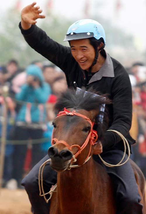 Xem kỵ sỹ cao nguyên trắng đua ngựa tại Hà Nội - 9