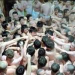 Tin tức trong ngày - Nhật: 9.000 người đóng khố dự Lễ hội khỏa thân