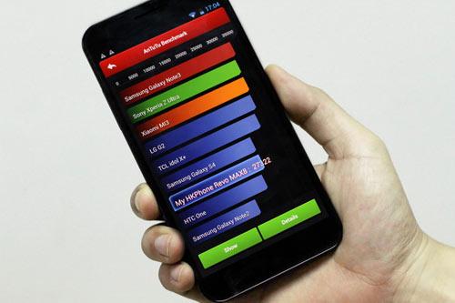 """Revo MAX8: Smartphone """"dành cho game thủ"""" - 1"""