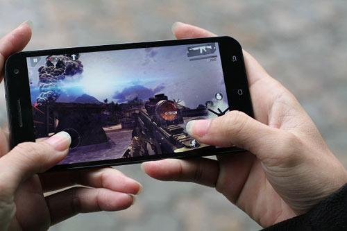"""Revo MAX8: Smartphone """"dành cho game thủ"""" - 4"""