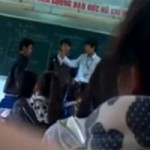 Tin tức trong ngày - Học sinh đánh trả thầy giáo trên bục giảng