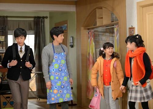 Bố nuôi Mr. Kim: Phim gia đình đáng xem - 2