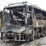 Tin tức trong ngày - Xe khách bốc cháy, 40 người thoát nạn gang tấc