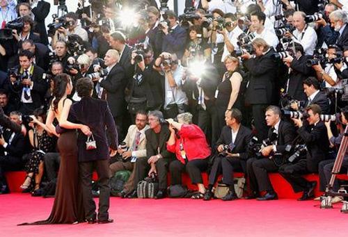 Paparazzi và cái giá của sự nổi tiếng - 1