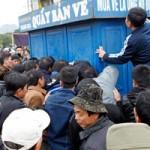 Bóng đá - Dở khóc dở cười cảnh CĐV Thanh Hóa mua vé