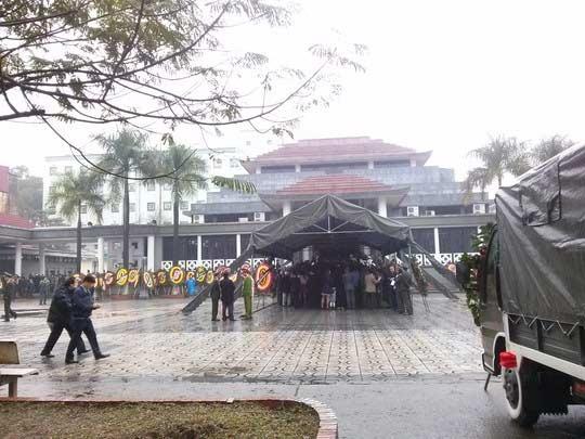 Lễ tang Tướng Ngọ trong thời tiết mưa lạnh - 3