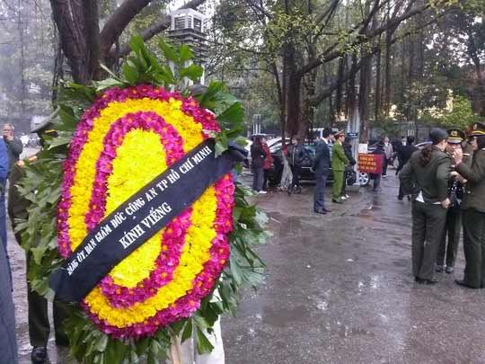 Lễ tang Tướng Ngọ trong thời tiết mưa lạnh - 4