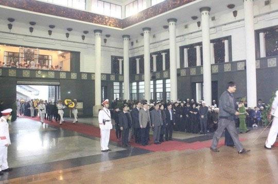 Lễ tang Tướng Ngọ trong thời tiết mưa lạnh - 5