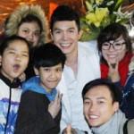 Ngôi sao điện ảnh - Fan đội mưa rét gặp Nathan Lee