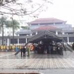 Lễ tang Tướng Ngọ trong thời tiết mưa lạnh
