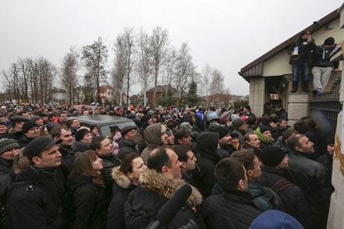 Cận cảnh dinh thự xa hoa của Tổng thống Ukraine - 1
