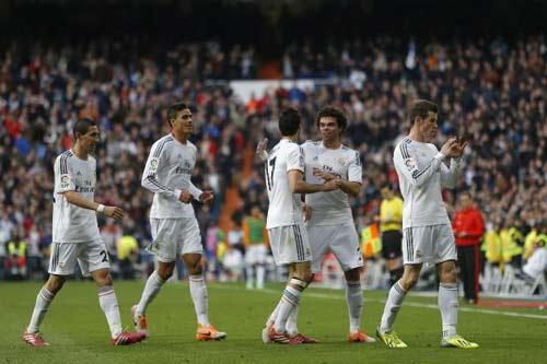 Liga sau V25: Chỉ Real không bị sốc - 2