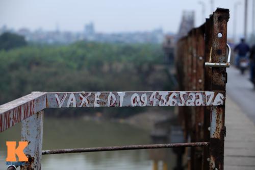 """Cận cảnh những """"vết lở loét"""" trên cầu Long Biên - 5"""