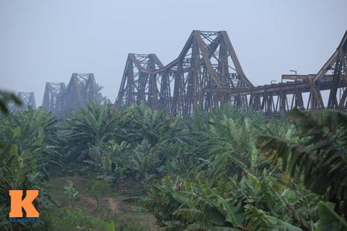 """Cận cảnh những """"vết lở loét"""" trên cầu Long Biên - 21"""