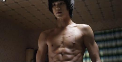 Video: Kim Soo Hyun chiến đấu oanh liệt - 5
