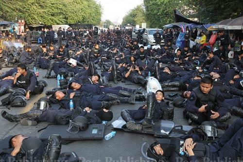 Thái Lan: Xạ thủ bí ẩn yểm trợ người biểu tình - 3