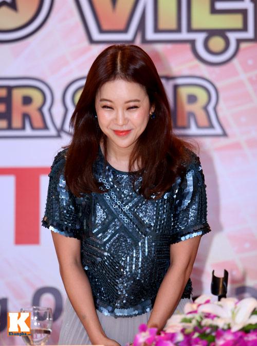 Baek Ji Young xinh tươi gặp gỡ fan Việt - 7