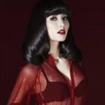 Ca nhạc - MTV - Diễm My 9X lấp ló nội y trong sắc đỏ